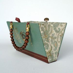 clutch made out of an old book