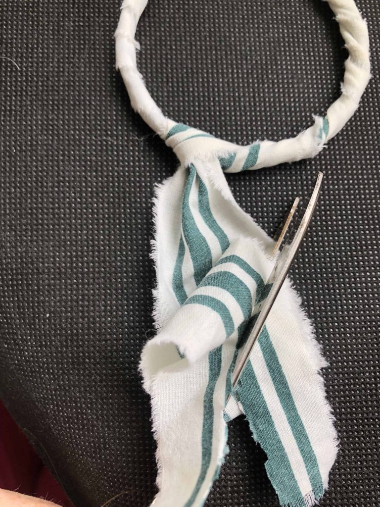 scrap fabric bracelet bow details