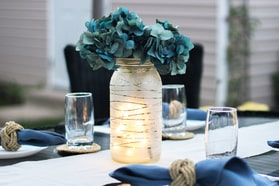 DIY-wedding-centrepiece-frosted-etched-glass