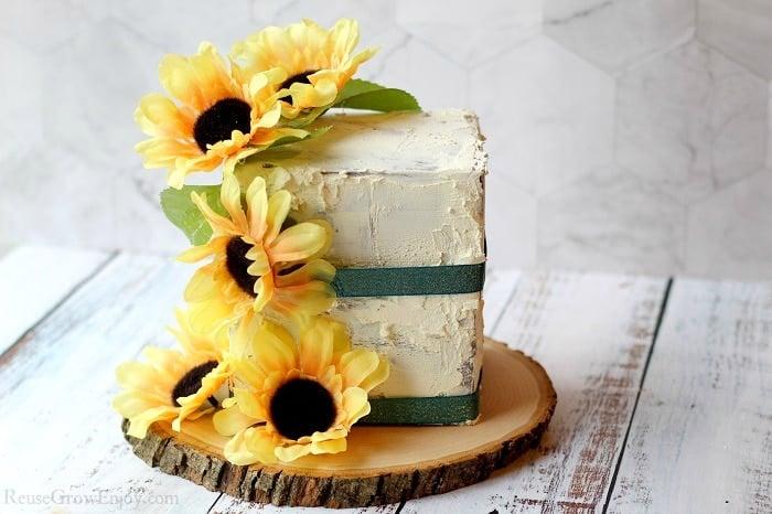 DIY wedding ideas fake cake photo prop