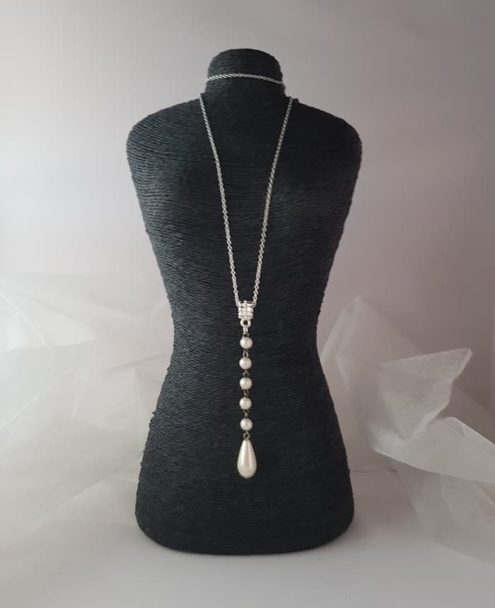 upcycled drop pearl necklace