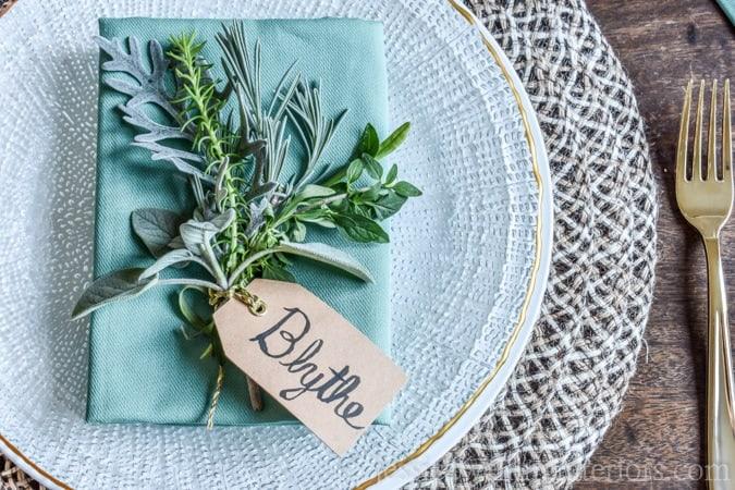 diy-wedding-placeholders-herbs