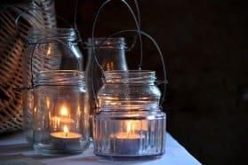 diy wedding ideas teal lights in glass jars