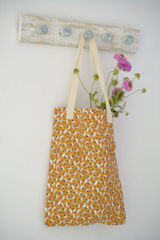 DIY Tote Bag made from tea towels