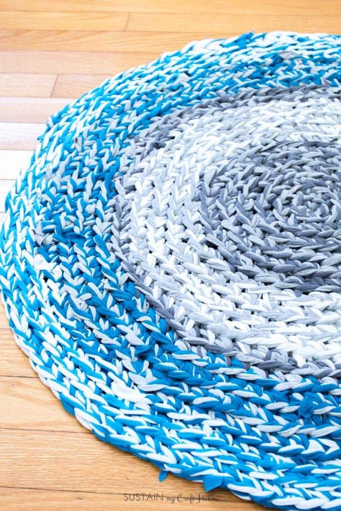 finger crochet tshirt rag rug