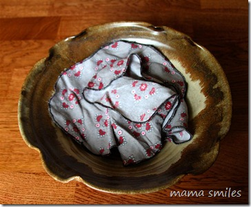 DIY cloth kleenex from flannel pyjamas
