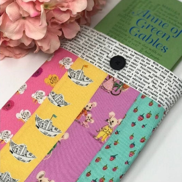 patchwork book sleeve sewing pattern