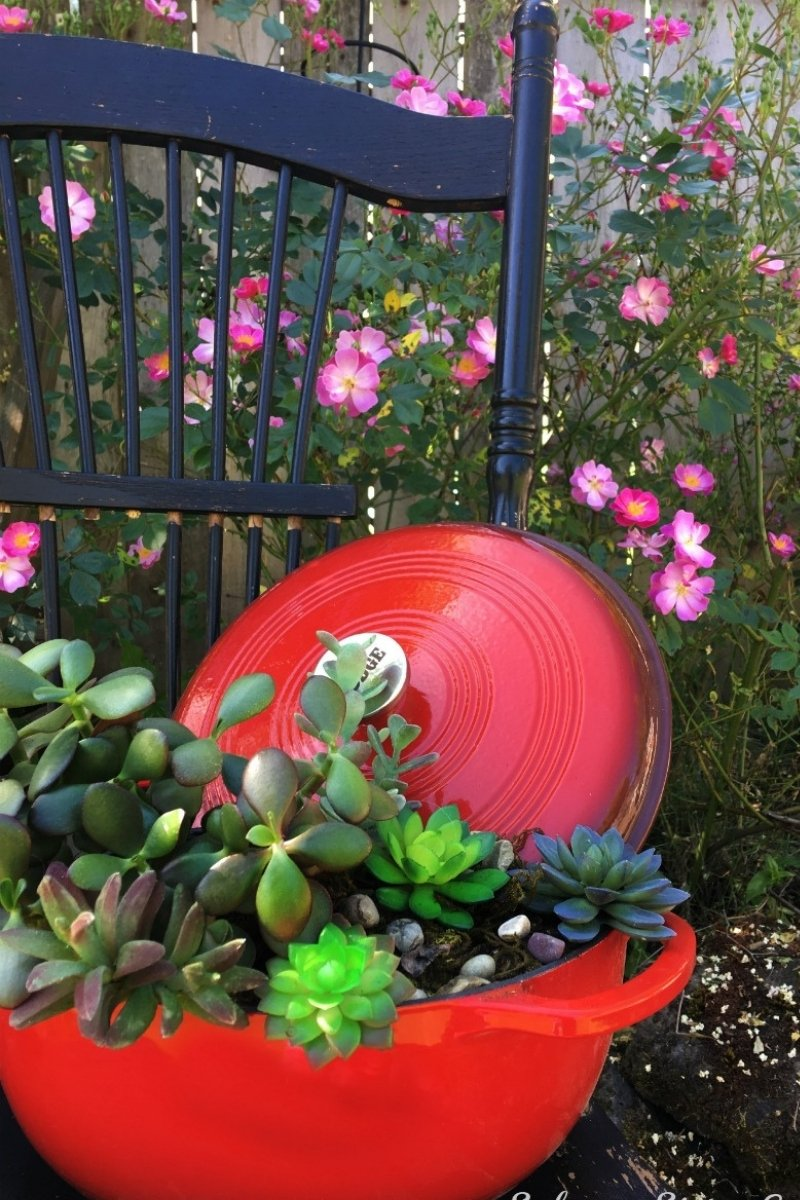 upcycled planter dutch oven