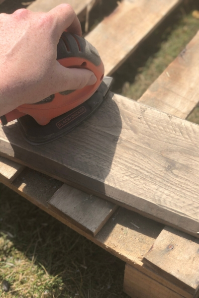 upcycling pallet wood