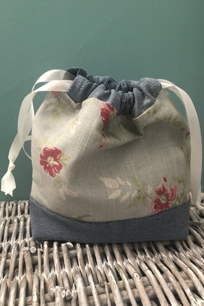 upcycling stretch denim jeans drawstring bag mini