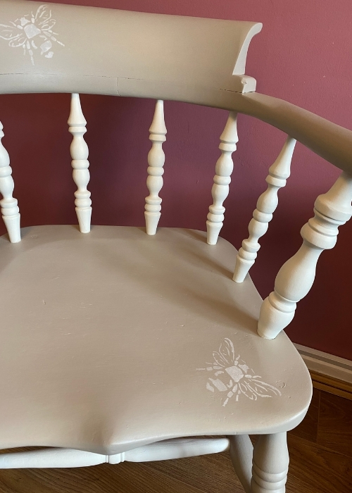 how to paint a wooden chair bee stencils