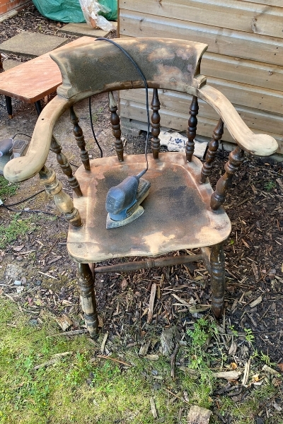 how to paint a wooden chair - sanding