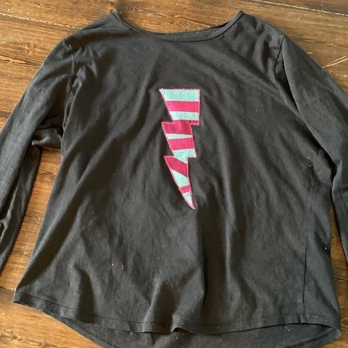 raw edge applique on a t-shirt
