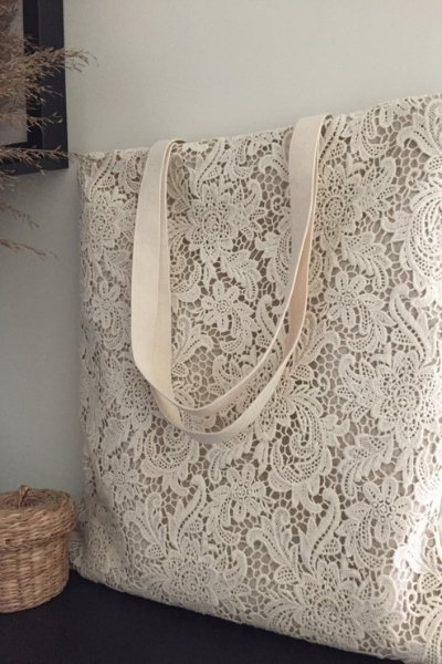 how to upcycle your wedding dress - lace tote bag