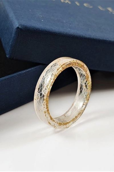 how to upcycle your wedding dress - resin ring