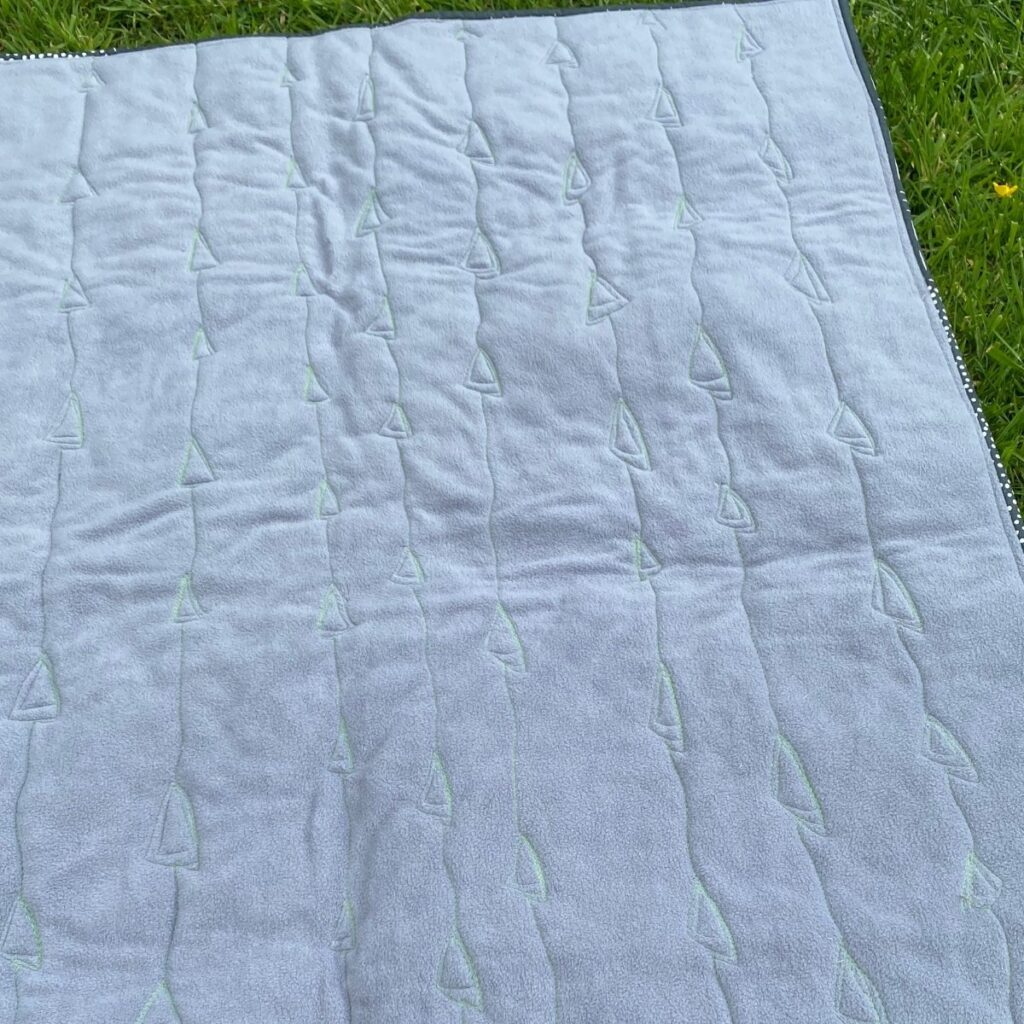 free motion quilting on fleece quilt back